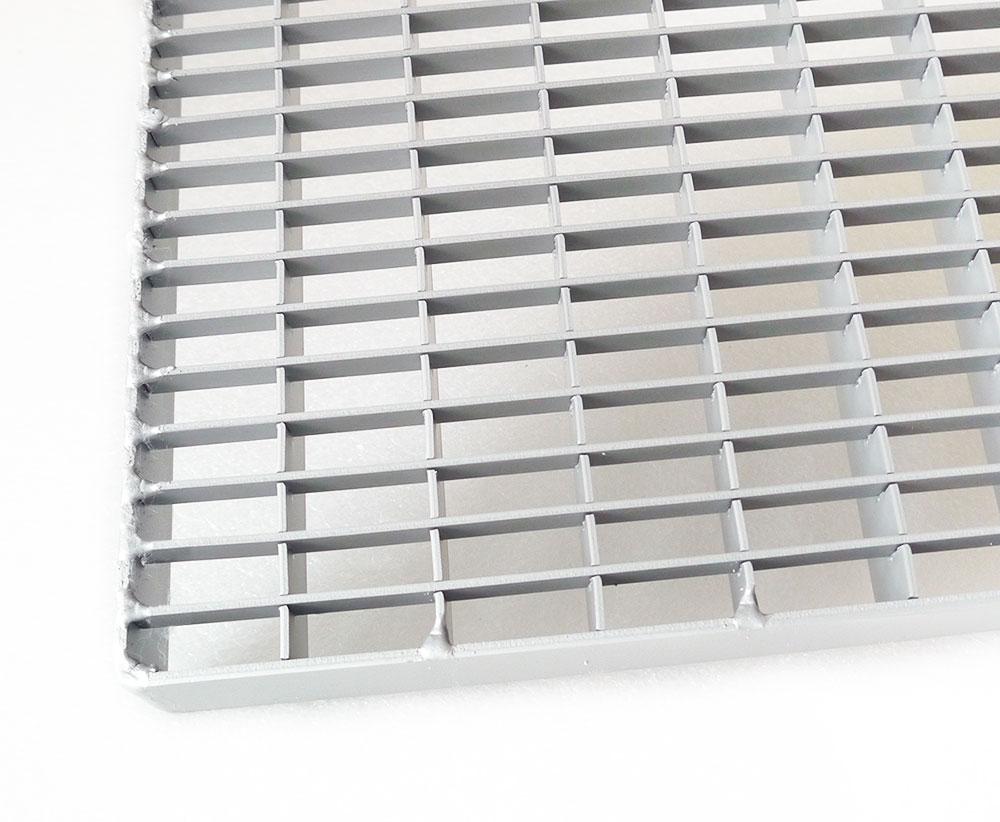 aluminiumroste und stufen k60 gitterroste aus edelstahl normroste oder sonderanfertigung. Black Bedroom Furniture Sets. Home Design Ideas