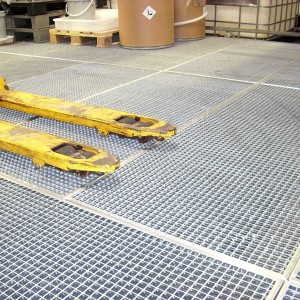 [1356-07] Industriebühne mit Gitterrosten